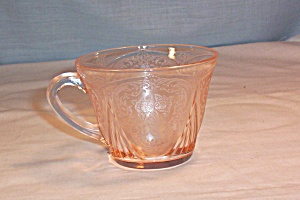 Royal Lace Pink Cup (Image1)