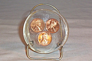 Lucite Paperweight 1970 Pennies (Image1)