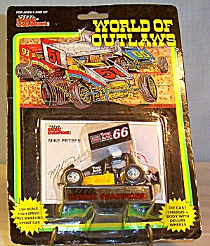 Mike Peters #66  Sprint Car World of Outlaws 1:64 Dieca (Image1)