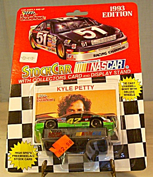 #42 Kyle Petty Mello Yellow Diecast 1:64 Racing Champio (Image1)