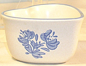 Pfaltzgraff Yorktowne Heart Shaped Bowl (Image1)