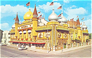 Mitchell,SD Corn Palace 1960 Postcard Cars 50s (Image1)