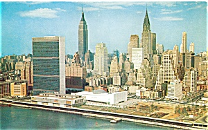 United Nations Midtown NY Postcard lp0156 (Image1)