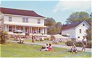 Vindobona Cottages in  Poconos of  PA Post card p0496 (Image1)