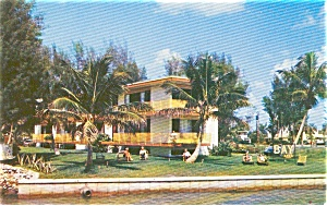 Bay Apartments Sarasota FL Postcard p0904 (Image1)