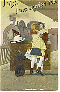 Couple Hugging at Train Station Postcard (Image1)