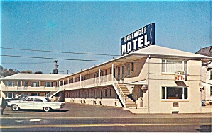 The Highlander Motel, Somerset,PA Postcard Car 60s (Image1)