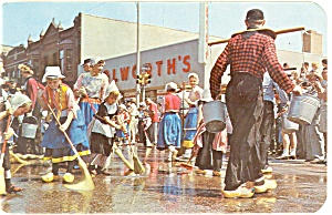 Holland, MI Scrubbing the Streets Postcard (Image1)