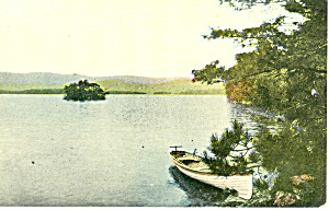Canoe on Lake Shore Scenic Postcard p15281 (Image1)