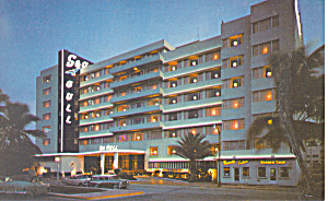 Seagull Hotel, Miami Beach, FL at night Postcard (Image1)