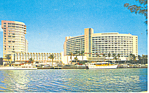 Miami Beach FL Fontainebleau Hotel Postcard p16422 (Image1)
