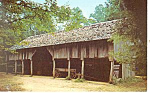 Cantilver Type Barn NC Postcard p17557 (Image1)