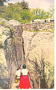 Fat Mans Squeeze Lookout Mountain TN Postcard p17966 (Image1)