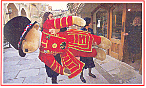 Stuffed Bear Dressed as Beefeater Postcard p18132 (Image1)
