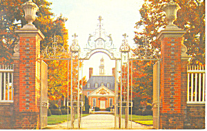 Palace Gates Williamsburg VA Postcard (Image1)