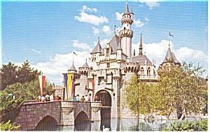 Disneyland Sleeping Beauty Castle Postcard p2110 (Image1)