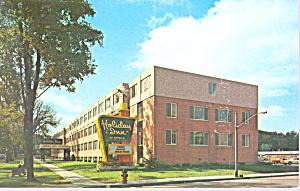 Holiday Inn  Watertown New York Postcard p21299 (Image1)