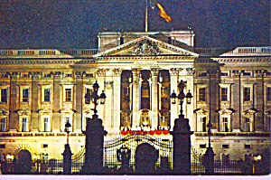 Buckinghan Palace At Night Postcard P22818
