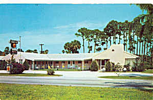 Traveler s Motel Vero Beach Florida Postcard p26494 (Image1)