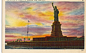 Statue Of Liberty at Sunrise  New York Harbor p26777 (Image1)