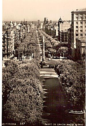 Paseo De Gracia Hacia El Ma Barcelona Spain  p26803 (Image1)