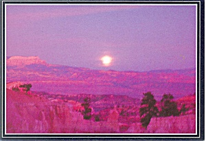 Moon Rise at Bryce Canyon National Park  UT Postcard p2840 (Image1)