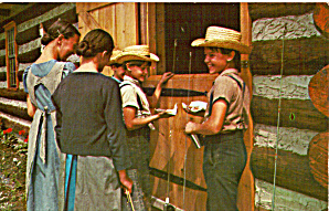 Amish Boys and Girls enjoying a Treat p28980 (Image1)
