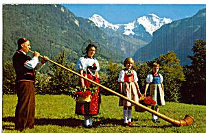 Alphornblaser mit Trachtengruppe Switzerland   p29452 (Image1)