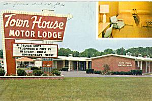 The Town House Springfield GA Postcard p30218 (Image1)