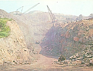 Pennsylvania Giant Shovels in Coal Stipping Operation (Image1)