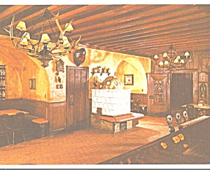 Schlitz Brown Bottle Guest Hall Interior (Image1)