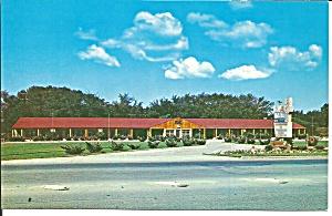 La Siesta Motel Strongsville Ohio Postcard p31553 (Image1)