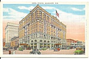 Milwaukee WI Hotel Pfister Vintage Cars p33535 (Image1)