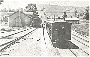D and H Train in Waymart PA Postcard p3355 (Image1)