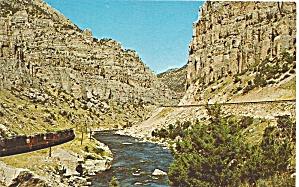 Near Thermopolis WY Wind River Canyon postcard P33562 (Image1)