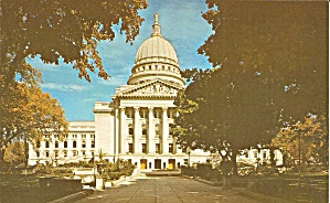 Madison Wisconsin State Capitol postcard p35617 (Image1)