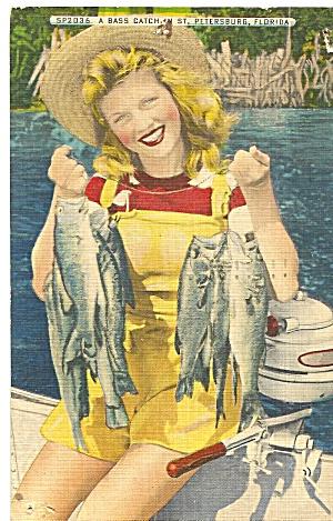 St Petersburg FL A Bass Catch postxard p36030 (Image1)