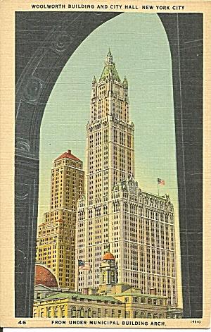 New York City Woolworth Building postcard p36102 (Image1)