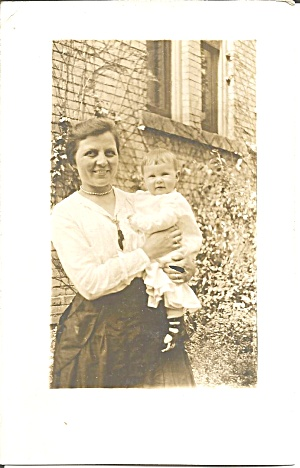 Family Photo Mother and Child p37101 RPPC (Image1)