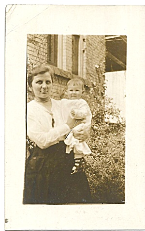 Family Photo Mother And Child P37108 Rppc