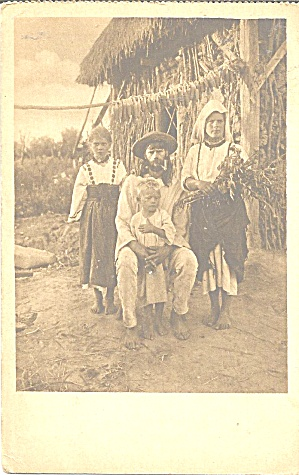 Family Photo in Native Dress p37144 (Image1)