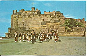 Edinburgh Castle Highland Pipers P37623