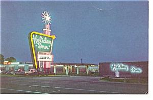 Cambridge OH  Holiday Inn at Night Postcard p6598 (Image1)