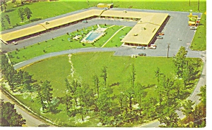 Petersburg, VA, Holiday Inn Postcard (Image1)