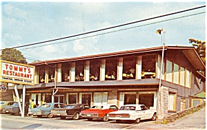 Gatlinburg TN Tommy s Restaurant Vintage Cars Postcard p7078 (Image1)
