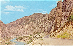 Wind River Canyon Wyoming Postcard p7332 (Image1)
