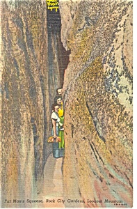 Lookout Mountain TN Fat Man s Squeeze Postcard p7923 (Image1)