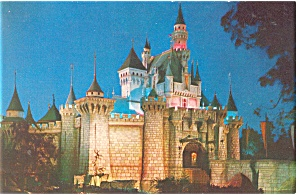 Sleeping Beauty s Castle Disneyland  CA Postcard p8820 (Image1)