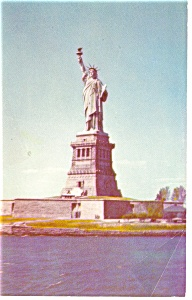 Statue of Liberty New York City Postcard p9433 (Image1)
