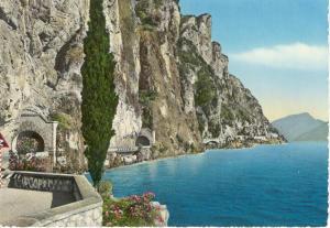 Garda Lake  and Road Scene Italy Postcard v0127 (Image1)